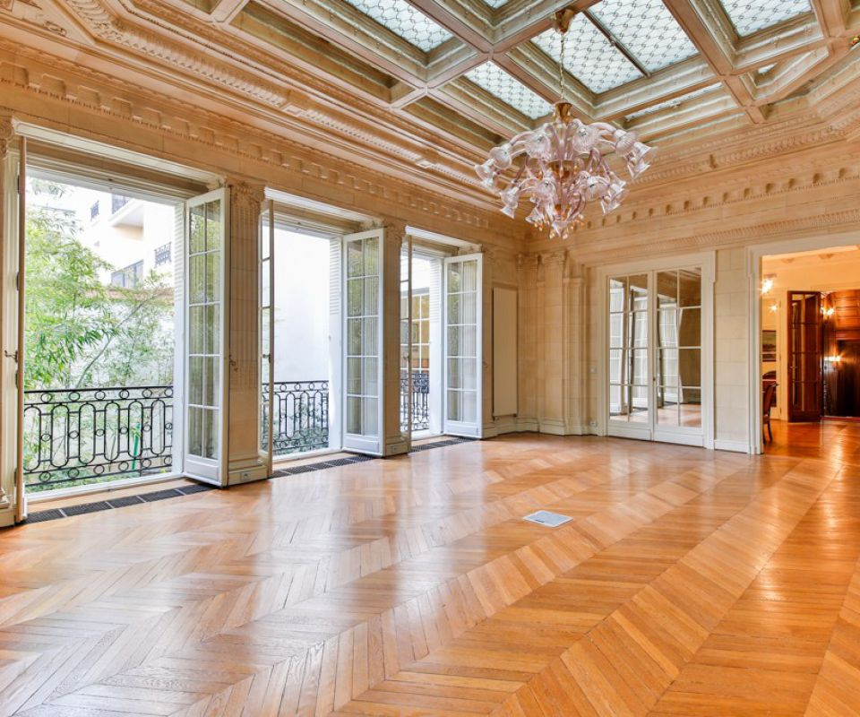 Offices for sale Building Paris Ile de France